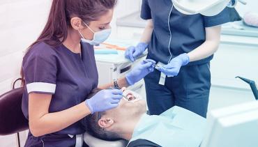 Ósemki – co należy wiedzieć o zębach mądrości?